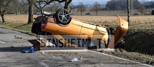 Die beiden Insassen wurden schwer verletzt. Foto: SinsheimTV/Buchner