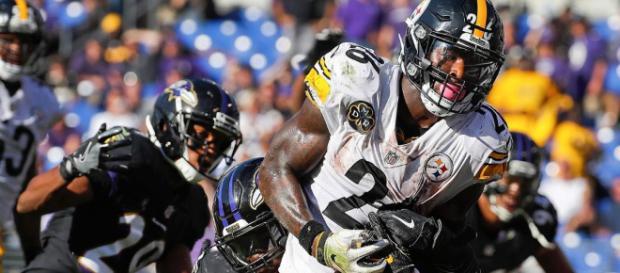 El corredor de los Pittsburgh Steelers Le'Veon Bell probablemente recibirá una segunda etiqueta de franquicia consecutiva