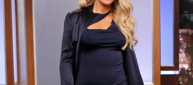 Khloe kardashian revela el sexo de su bebé