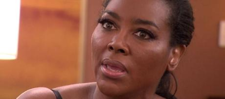 Kenya Moore appears on 'The Real Housewives of Atlanta.' [Photo via Bravo/YouTube]