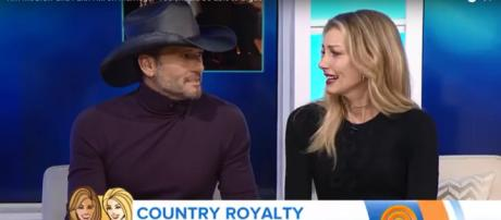Tim McGraw and Faith Hill sing together and stand firm for 'common sense' gun control. Image cap TV Today/YouTube