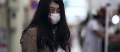 A mulher da boca rasgada (口裂け女)