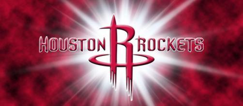 Chris Paul e James Harden desequilibram novamente para o Houston. (Imagem: wallpapercave.com)