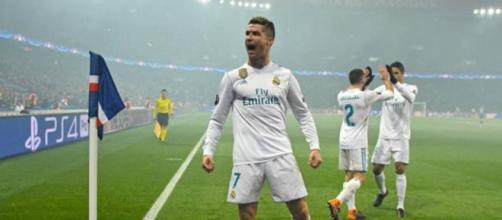 Cristiano Ronaldo anota para el Real Madrid ante el PSG