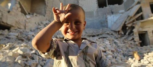 O sorriso de uma criança vale mais do que uma mera briga de egos.