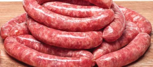 Salsicce contaminate: 180 decessi in un anno