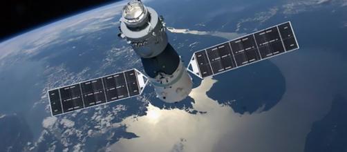 Stazione Spaziale in caduta verso la Terra