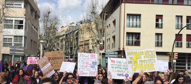 Manifestación feminista del 8 de marzo en Sabadell - Wikipedia