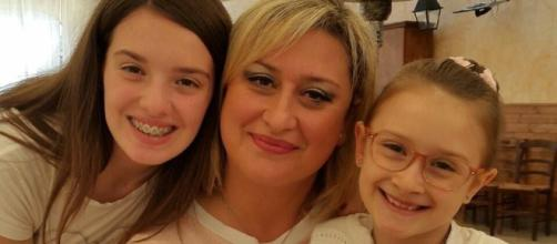 Antonietta Gargiulo è ancora in ospedale ma si è svegliata e risponde agli stimoli. Venerdì si terrà il funerale delle bambine.