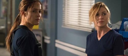 Ellen Pompeo e Jaina Lee Ortiz in Grey's Anatomy 14x13 Credit: TVserial