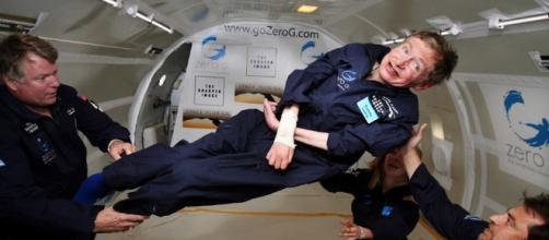 Hawking revela una teoría del universo