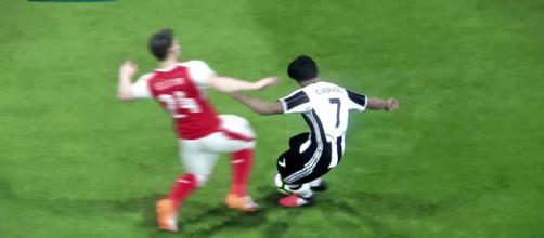 La Juventus está muy interesado en un defensor de los Gunners