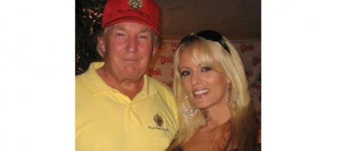 Stati Uniti, la pornostar Stormy Daniels fa causa contro Trump