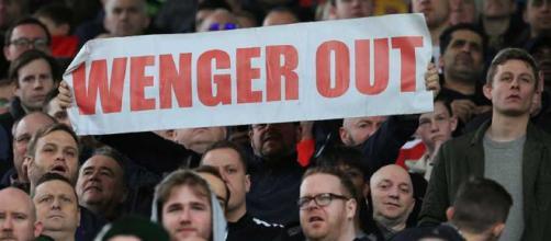 Una cantidad de seguidores del Arsenal quieren a Wenger fuera del equipo