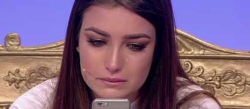 Uomini e Donne, la tronista Nilufar scoppia in lacrime durante la ... - today.it