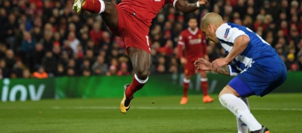 Liverpool clasifica a cuartos de final de Champions