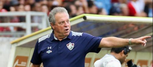Abel Braga deve escalar time misto no jogo do Flu contra o Nova Iguaçu (Foto: Reprodução/Globoesporte)