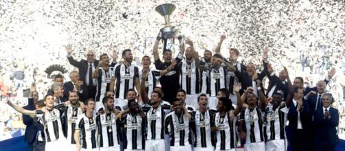 La Juventus campione d'Italia 2016-2017.