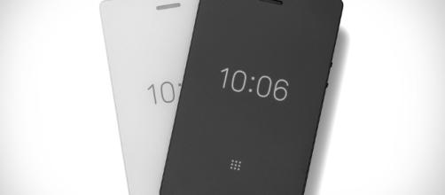 Light Phone 2 Distraction-Free Smartphone | HYPEBEAST - hypebeast.com