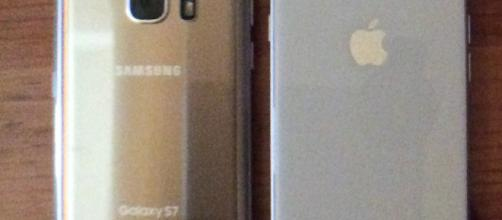 Samsung Galaxy S7 and the Apple iPhone 8 (photo credit: Odette Perez)
