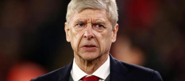 Arsene Wenger preocupado por la problemática recuperación en el partido
