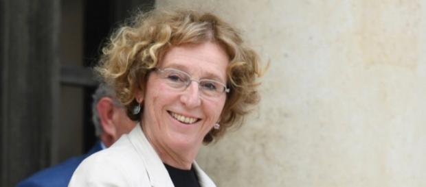 Égalité hommes-femmes : Pénicaud veut supprimer l'écart de salaire ... - rtl.fr