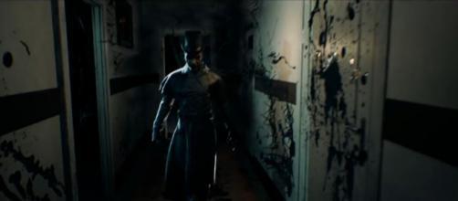 A terrifying beast inside the home [Credit: YouTube/lzuniy]