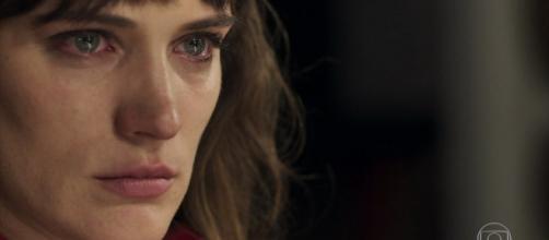 Clara levará duro golpe e perderá a fortuna. (Foto internet)