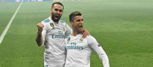 Cristiano Ronaldo celebrando com Carvajal