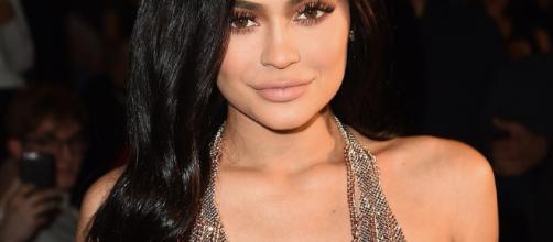 Kylie Jenner revela lo que significa su anillo de diamantes