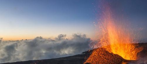 Le Piton de la Fournaise est entré en éruption !