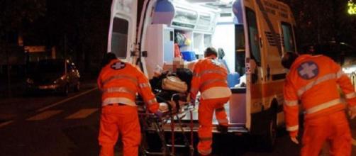 Un 90enne uccide la moglie e poi si toglie la vita. I due cadaveri sono stati trovati accanto, seduti sulle poltrone.