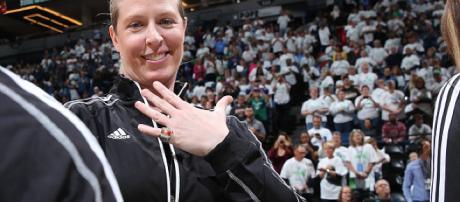 Smith es una de las jugadoras más condecoradas del baloncesto femenino. Se retiró después de la temporada 2013