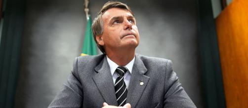 Bolsonaro diz que vence Lula e Dilma no Enem