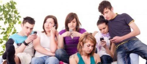 LOS CELULARES EN LOS ADOLECENTES: IMAGENES