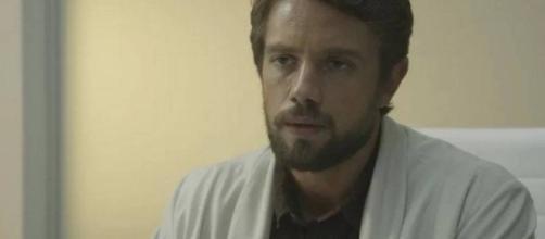 Renato (foto) acusa Samuel de assédio; Caetana revela quem matou Agenor