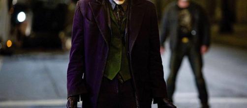 Warner Bros. prepara película sobre los inicios del Joker – El ... - com.mx