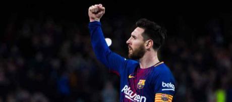 Leo Messi sempre muito atento aos reforços do Barça