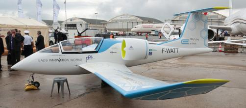 EADS Innovation Works/ACS E-Fan mock-up at Paris Air Show 2013 (Image credit – Julian Herzog, Wikimedia Commons)