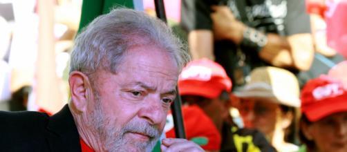 Una cella da 12 metri quadrati aspetta Lula, ma lui è pronto a ... - huffingtonpost.it