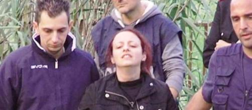 Veronica Panarello con il marito il giorno del ritrovamento di Loris (fonte grandangoloagrigento.it)