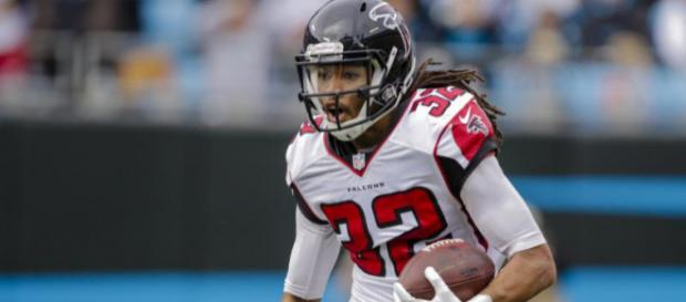 Jalen Collins has been suspended once again. [Image via NFL.com/YouTube]