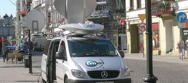 Wóz TVN (daniel.s ; CC BY 2.0).