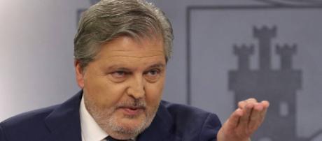 Méndez de Vigo comparece tras el Consejo de Ministros, en directo ... - elpais.com