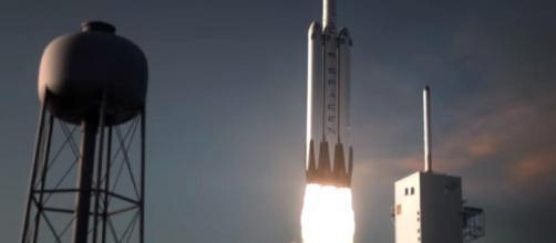 El SpaceX Falcon Heavy se inicia desde el Pad 39A en el Centro Espacial Kennedy en Florida, el 6 de febrero de 2018