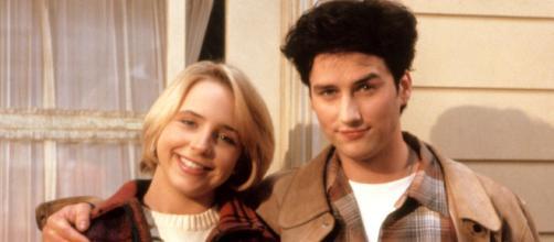 La serie Roseanne revive al fallecido actor Glen Quinn.