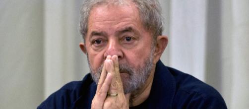 Lula está, nesse momento, preso em Curitiba