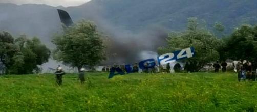 Precipita un aereo dell'esercito in Algeria, 257 vittime