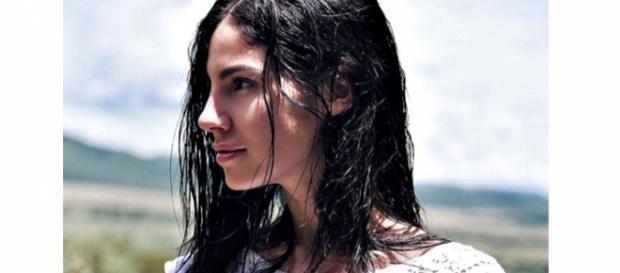 Gossip, Giulia De Lellis si spoglia ma viene stroncata: 'Volgare ed esagerata'