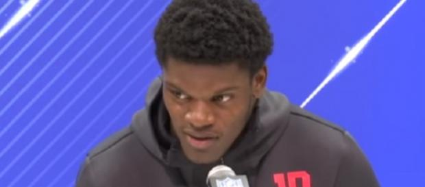 Lamar Jackson's stock heading into the 2018 NFL Draft is rising (Image source: NFL Scrimmage/YouTube)